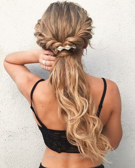 Unbelievable Twisted ponytail hairstyles,Easy half up half down