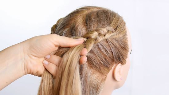 How to Make a Dutch Braid (with Pictures) - wikiHow