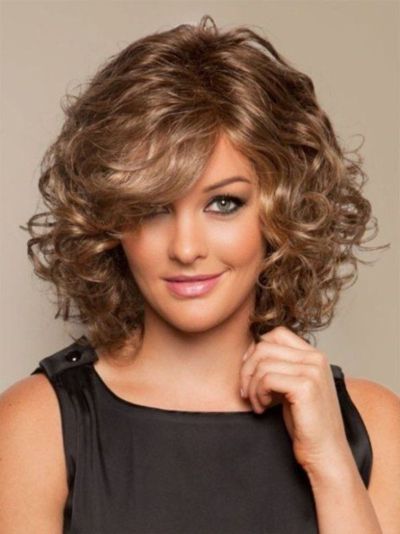 18 Superlative Medium Curly Hairstyles for Women | Health & beauty