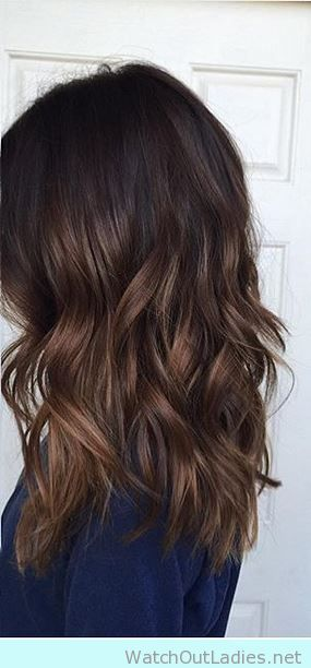 Brown natural hair with caramel highlights | Hairspirations