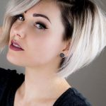 27 Short Hairstyles for a Christmas Party | LoveHairStyles.com