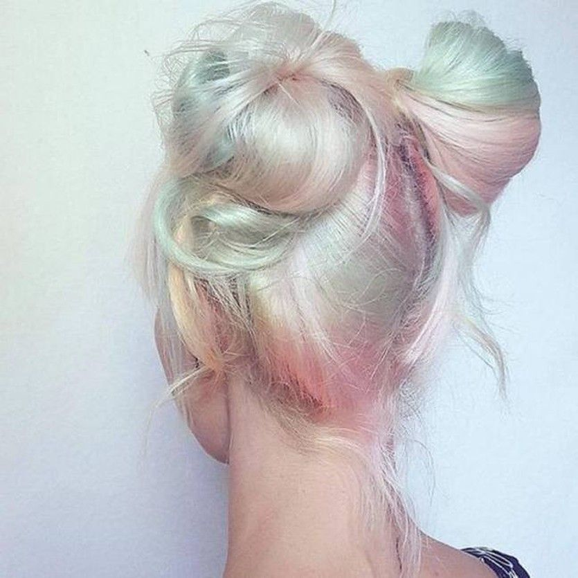 Holographic hair – the hottest new hair color trend