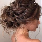 18 Christmas Hairstyles for Wavy Hair | LoveHairStyles.com