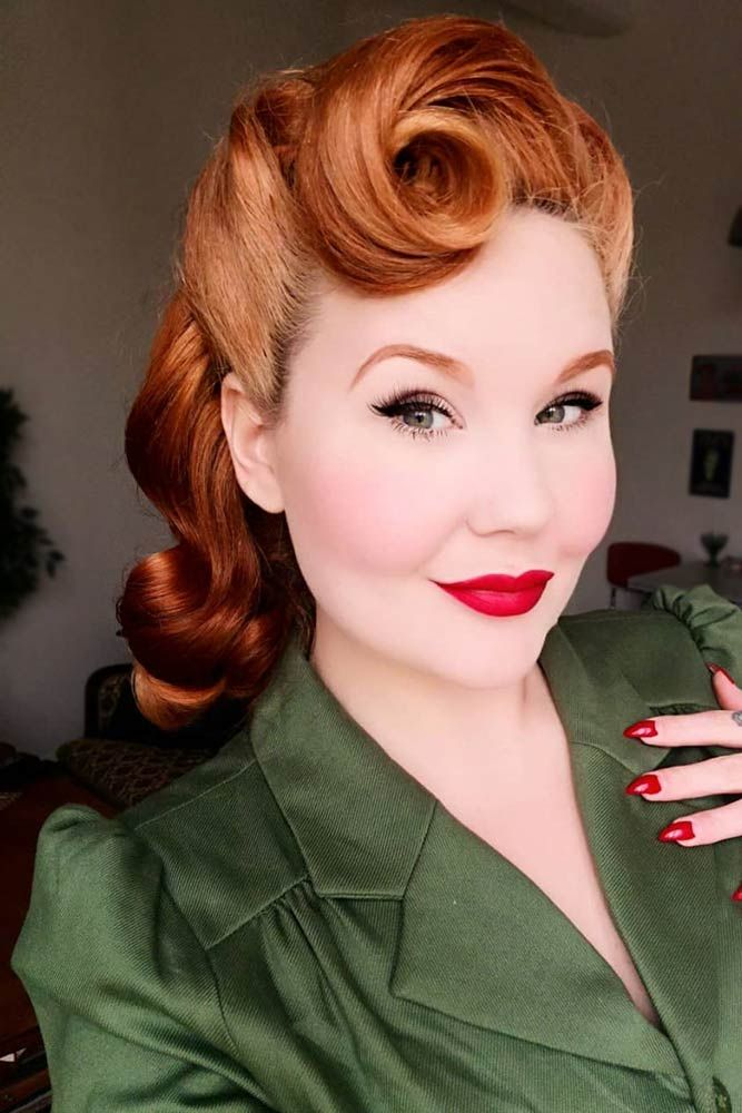 24 Modern-To-Vintage Victory Rolls Styles To Add Some Pin-Up Vibes