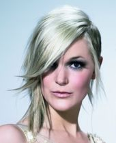 Hair Cut Trends: Asymmetric Layered Bob Haircuts: Oh how I wish I could pull thi