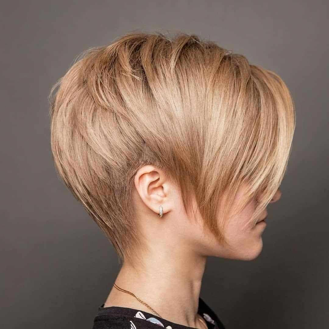 Pixie And Bob Modern Short Hairstyles for Young Women 2019 #shorthairstyles