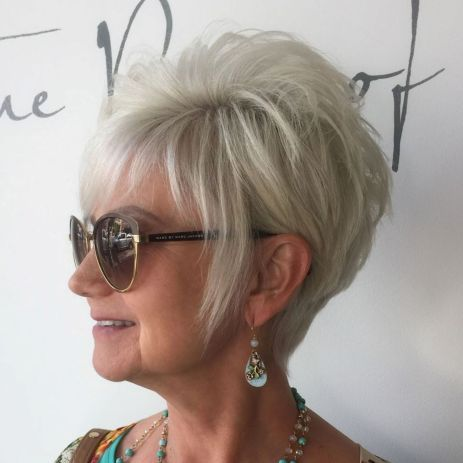 Short Hairstyles for Women over 50 – Simple and Classy – Hairiz