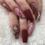 Trendy nails