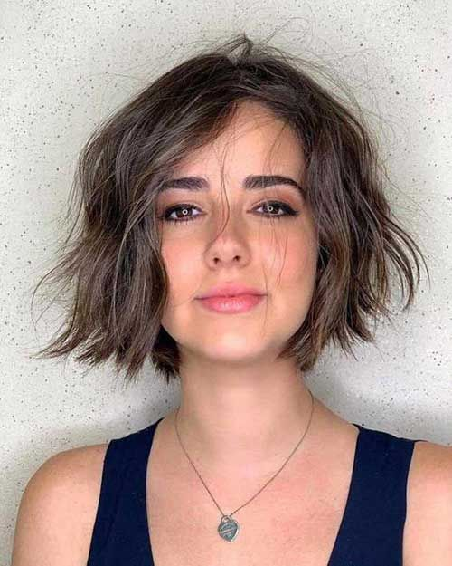 Wavy Short Hair Styles for Chic Ladies – Eazy Vibe